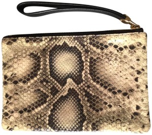 Henri Bendel Wristlet in black and beige