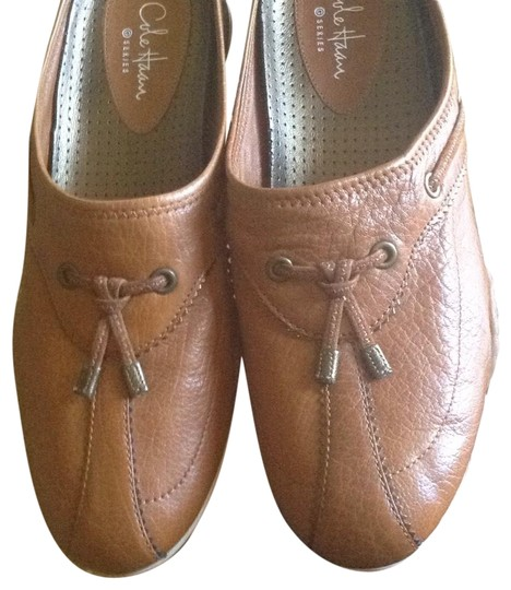 Preload https://img-static.tradesy.com/item/24348932/cole-haan-tan-leather-with-nike-air-flats-size-us-65-regular-m-b-0-1-540-540.jpg