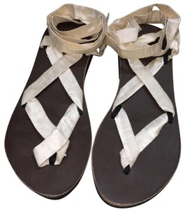 Ssekis off white ribbon/brown sole Sandals