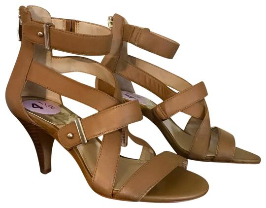 Preload https://img-static.tradesy.com/item/24349107/vince-camuto-tan-macobi-sandals-size-us-45-regular-m-b-0-1-540-540.jpg
