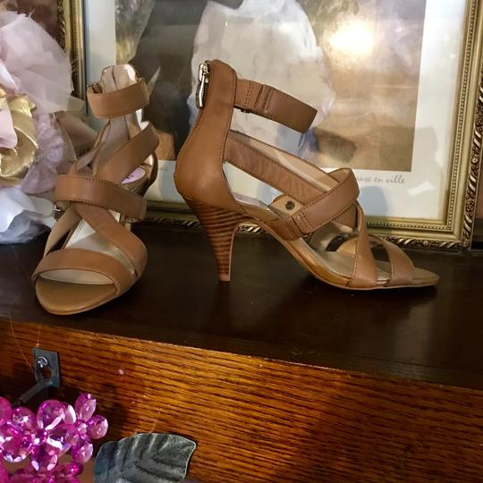 Vince Camuto TAN Sandals Image 6