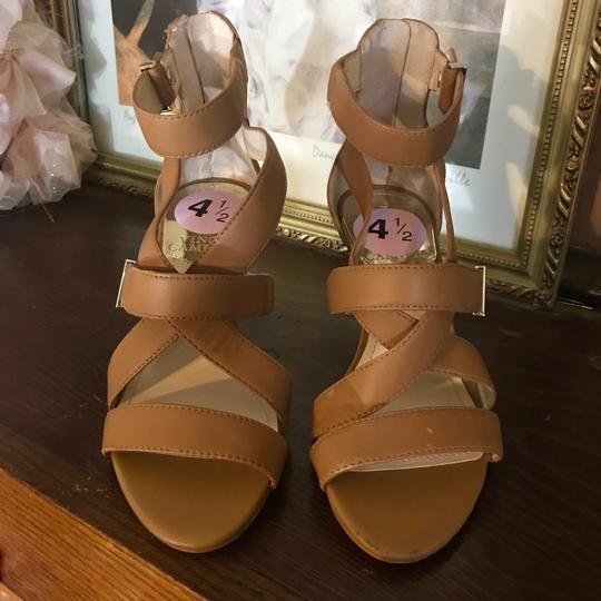 Vince Camuto TAN Sandals Image 8