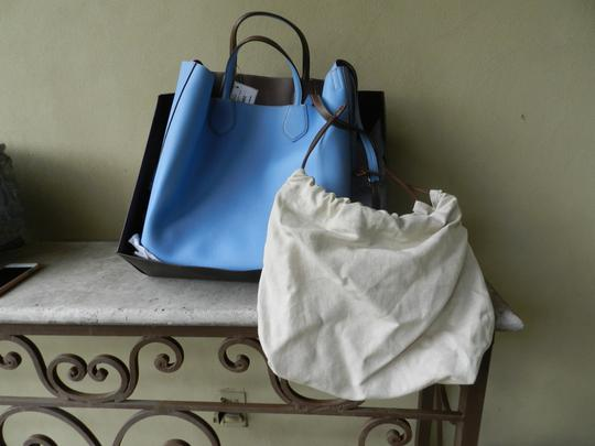 Gucci Pebbled Leather Linen Pouch. Tote in mineral blue/nut brown Image 4