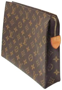 Louis Vuitton Monogram Classic Cosmetic Accessory Brown Clutch