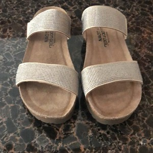 Naot beige micro/silver rivets Sandals