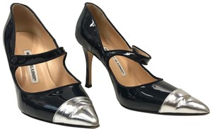Manolo Blahnik Pointed Toe Patent Patent Leather Navy Pumps
