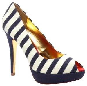 5fb205eaa62978 White Ted Baker Pumps - Up to 90% off at Tradesy