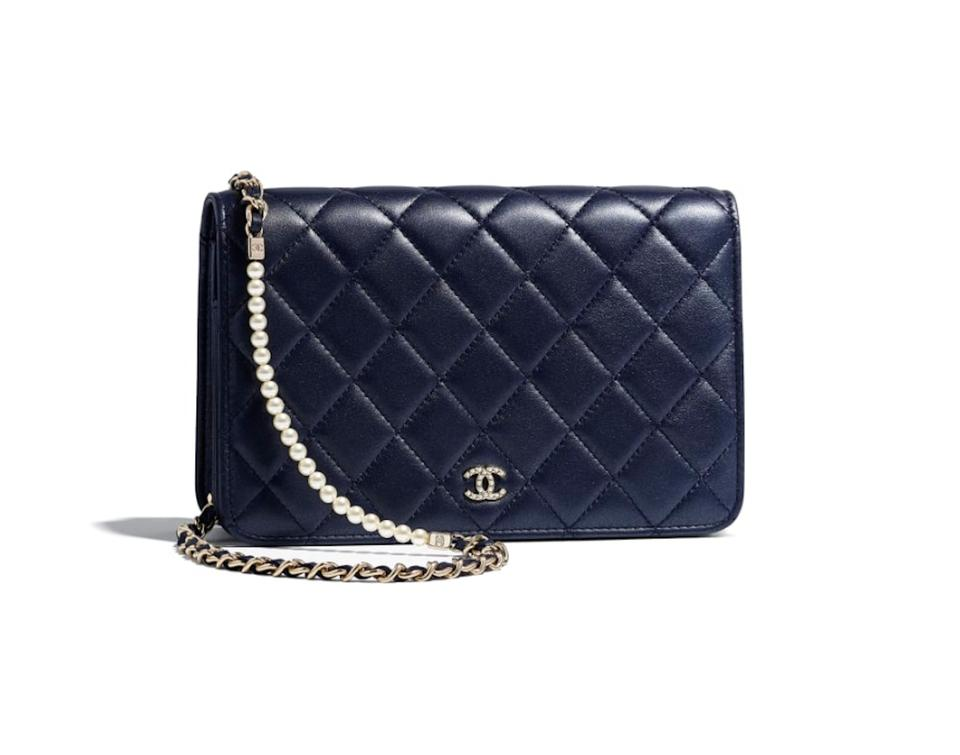 599f6146dc9b28 Chanel Wallet on Chain Classic (Woc) with Gold Hardware Navy Blue Lambskin  Cross Body Bag