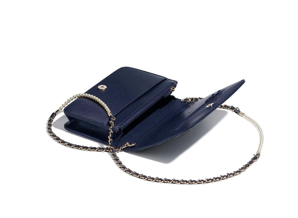 eeed30058852 Chanel Wallet on Chain Classic (Woc) with Gold Hardware Navy Blue ...