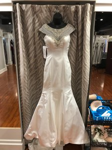 Allure Bridals Diamond White Silver Satin 9209 Feminine Wedding Dress Size 2 (XS)