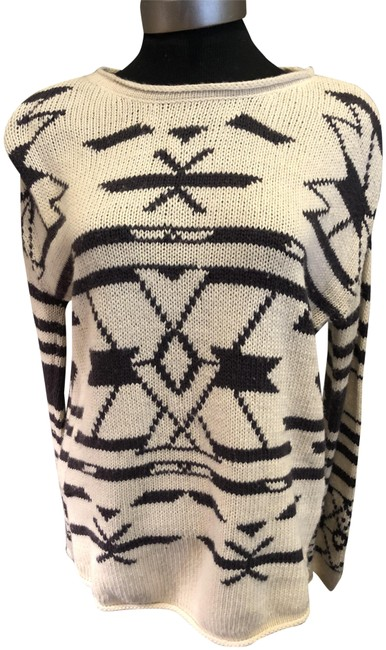 Item - Boat Neck Long Sleeve and Design Size M Black & Cream Sweater