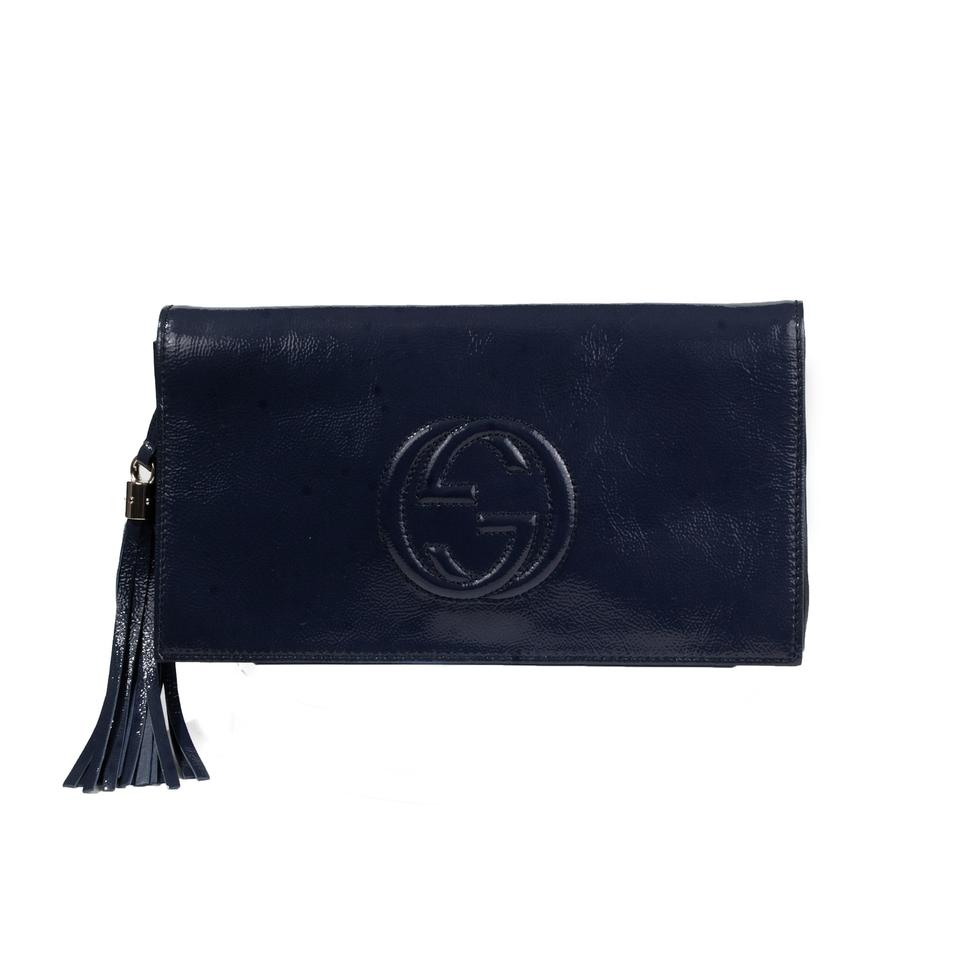 a93b36b5be57 Gucci Soho Patent Leather Navy Clutch Image 0 ...
