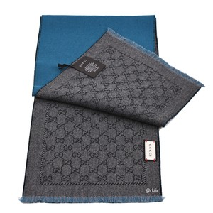 Gucci Gucci GG Logo Reservable Wool Scarf