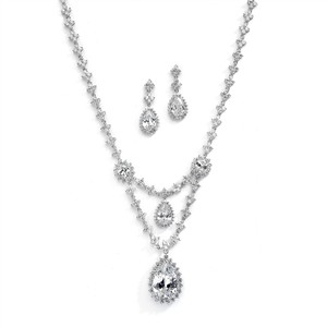 Silver/Rhodium Stunning Brilliant Crystal Necklace Earrings Jewelry Set