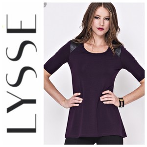 Lyssé T Shirt purple and black