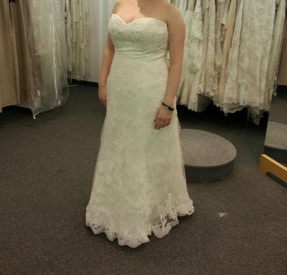Maggie Sottero Lace Wedding Gown: Maggie Sottero Ivory Corded Lace Over Delustered Satin
