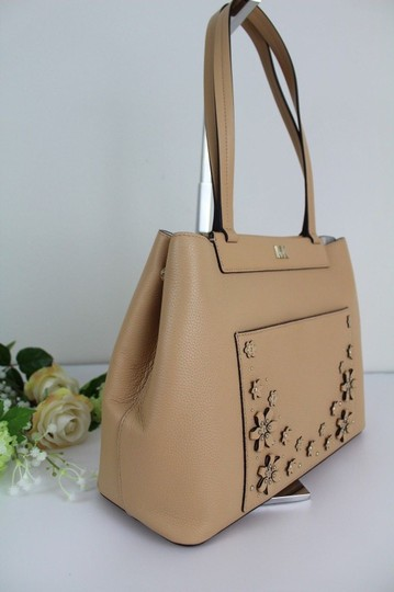 Michael Kors Tote in Butternut/Gold Image 4
