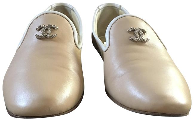 Chanel Cream and White Flats Size US 7 Regular (M, B) Chanel Cream and White Flats Size US 7 Regular (M, B) Image 1