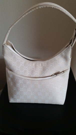 Gucci Shoulder Bag Image 9