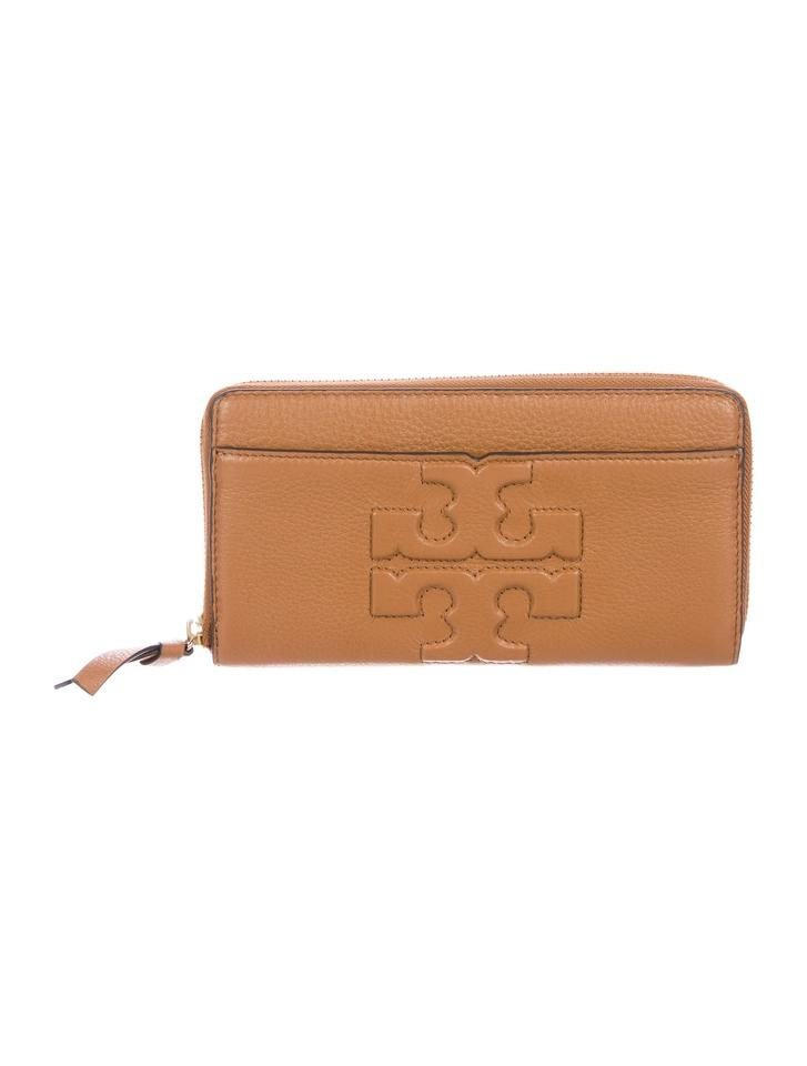 63c134f132 Tory Burch Bark grained leather Tory Burch Bombe-T Zip continental wallet  Image 0 ...