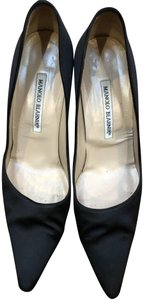 Manolo Blahnik Satin Vintage Pointy Toe Black Pumps