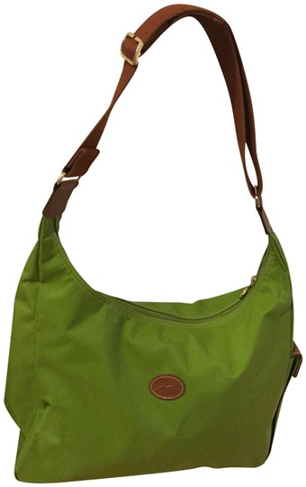 Preload https://img-static.tradesy.com/item/24362832/longchamp-perfect-green-canvas-shoulder-bag-0-1-540-540.jpg