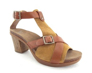 Dansko Walnut Open Toe Dominique Block Heel Buckled Camel Brown Sandals