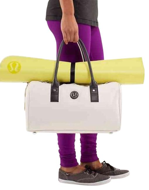 Item - Take Time To Om White Leather Weekend/Travel Bag