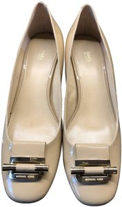 Michael Kors Gold Buckle Patent Leather Chunky Heel Engrave camel Pumps