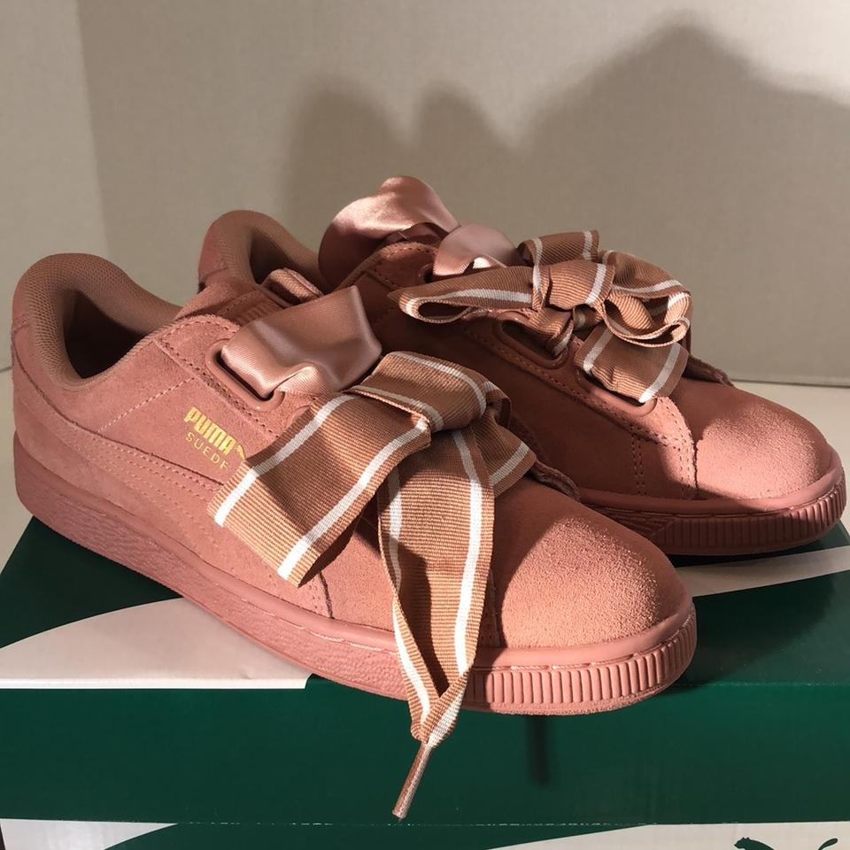 more photos f96f7 4c308 Suede Heart Satin Ii Sneakers