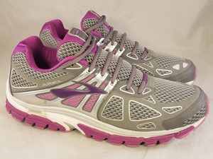 Brooks Woman Size 12 Sneakers gray and pink Athletic