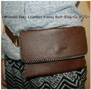 Michael Kors Fanny Pack Waist Pack Belt New With Tags Gift Chocolate Brown/Gold Messenger Bag