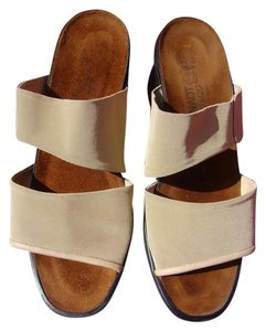 Naot Synthetic Material Comfort BEIGE Sandals