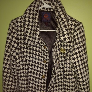 House of Deréon Black/White Blazer