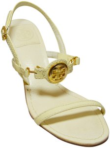Tory Burch New Patent Leather Gold Logo. Cream Sandals