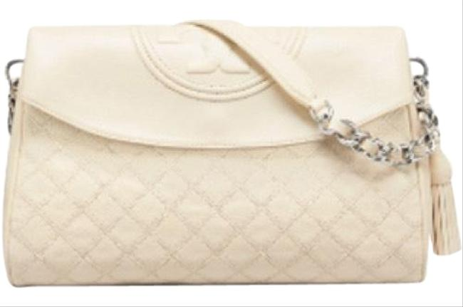 Item - Fleming Distressed Fold-over New Cream Leather Hobo Bag