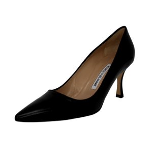 Manolo Blahnik Leather Pointed Toe Black Pumps