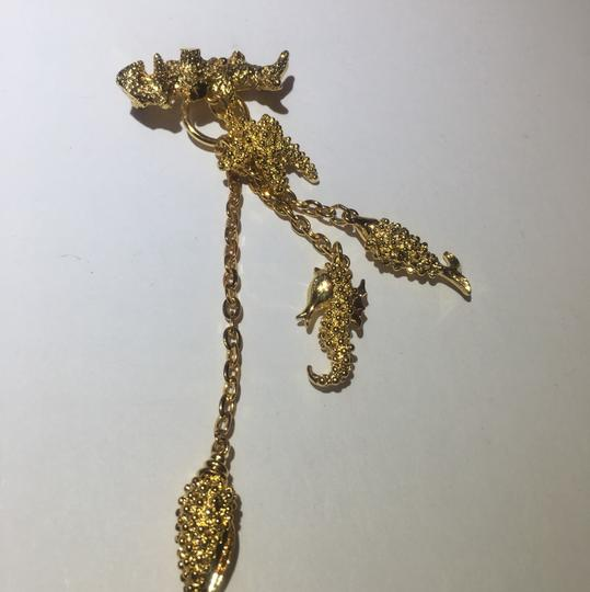 Vintage Vintage sea life gold charm chain Brooch Pin Image 2
