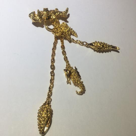 Vintage Vintage sea life gold charm chain Brooch Pin Image 3