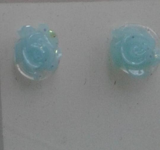 Other 44 Rose plastic earrings Image 1