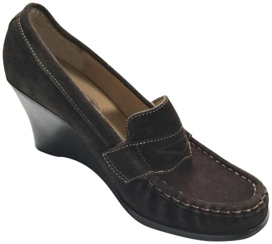Preload https://img-static.tradesy.com/item/24372216/bass-brown-suede-loafers-wedges-size-us-10-regular-m-b-0-1-540-540.jpg