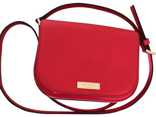 Preload https://img-static.tradesy.com/item/24372424/kate-spade-new-hot-clutch-handbag-red-leather-cross-body-bag-0-1-540-540.jpg