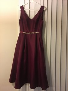 David's Bridal Wine Polyester V-neck Mikado Tea-length Formal Bridesmaid/Mob Dress Size 4 (S)