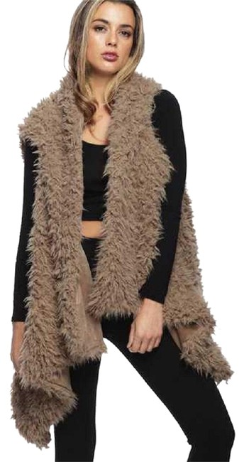 Preload https://img-static.tradesy.com/item/24372495/beige-new-faux-fur-vest-size-os-one-size-0-1-650-650.jpg