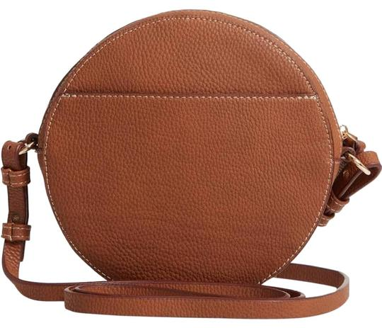 Preload https://img-static.tradesy.com/item/24372525/chelsea28-cassie-faux-circle-tan-thrush-leather-cross-body-bag-0-1-540-540.jpg