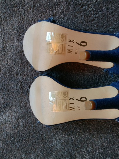 Mix six Blue Sandals Image 3