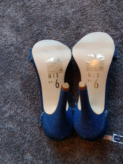 Mix six Blue Sandals Image 4