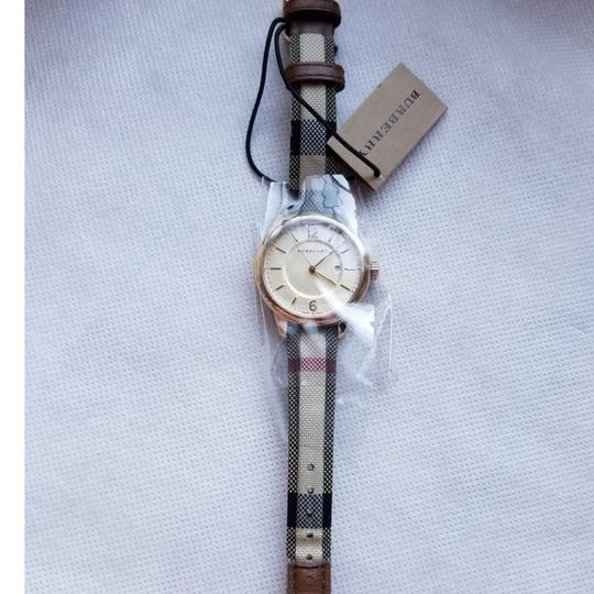 Burberry Womens classic Burberry watch Image 3