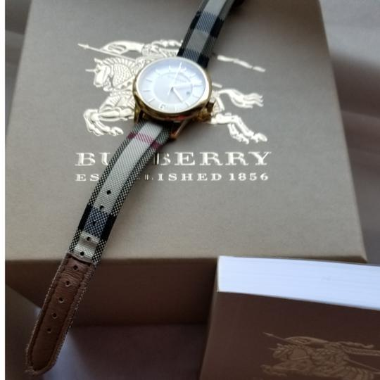 Burberry Womens classic Burberry watch Image 9