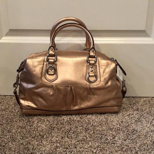 Coach Satchel in gold Image 3